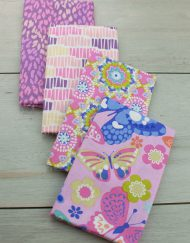 Set de 4 telas precortadas especiales para patchwork, estampado en colores rosas