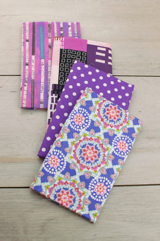 Set de 4 telas precortadas especials para patchwork en color morado